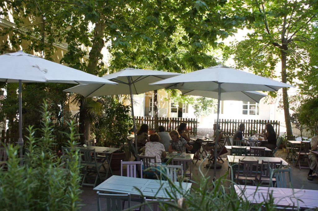 Café Bistro del Instituto Francés Madrid 9 lugares en Madrid que te transportarán a París