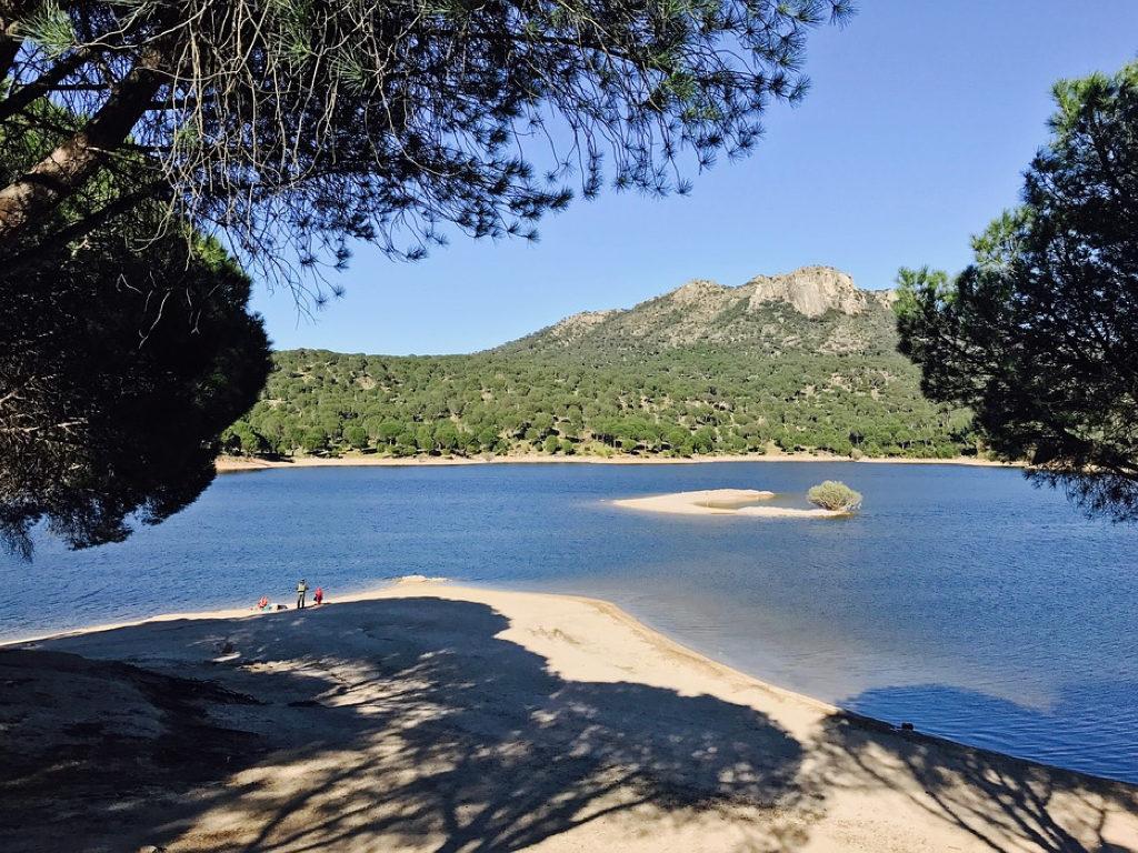 Embalse de San Juan Madrid Las 6 mejores piscinas municipales de Madrid
