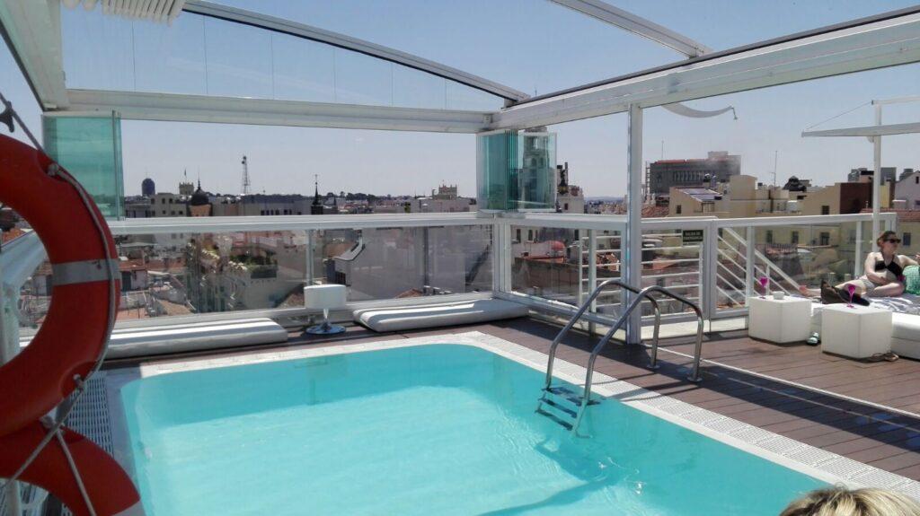 Piscina Room Mate óscar Hoteles urbanos en Madrid con piscina